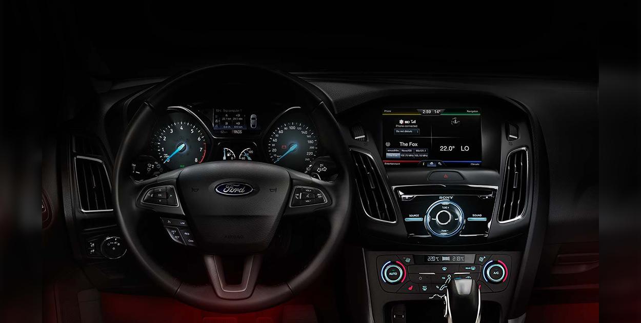 Hệ thống đèn LED trang trí trong xe